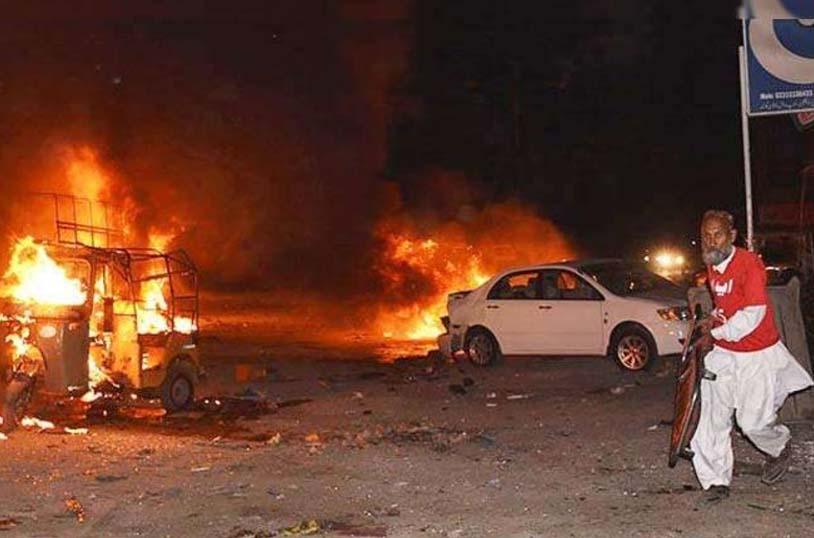 Blast: पाकिस्तान में बम विस्फोट, 17 लोगों की मौत | Sachkahoon.com